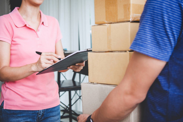 depositphotos_231323602-stock-photo-home-delivery-service-and-working.jpg